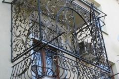 1390601422_kovanye_ograzhdenija_balkonov_2